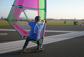 Windsurfen Tempelhofer Feld Berlin